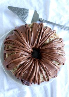 Chocolate Bundt Cake This is the Best German Chocolate Bundt Cake ever! Made with chocolate cream cheese frosting!This is the Best German Chocolate Bundt Cake ever! Made with chocolate cream cheese frosting! Cookies Cupcake, Cupcakes, Cupcake Icing, Chocolate Cream Cheese Frosting, Chocolate Bundt Cake, Chocolate Cheese, Sweet Recipes, Cake Recipes, Dessert Recipes