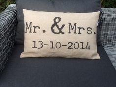 Kussen huwelijk trouwdatum cadeau bruiloft www.just-m.nl
