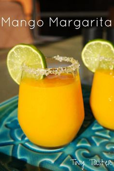 Mango margarita! Made with grand marnier and fresh mango! Perfect for taco tuesday or cinco de mayo coming up! #margarita #cincodemayo #mexican