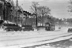 Moottoroitu osasto Helsinginkadulla ja HKL 333 linjalla 7