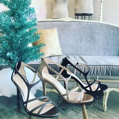 Allow me to introduce you to this stunning holiday shoe... Ruby! She's the perfect date for your next party! #betsykingshoes #paseoartsdistrict #myhappyplace #tistheseason #pellemoda