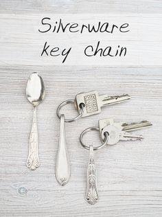 Besteck-Schlüsselanhänger - Silverware key chain - DIY tutorial in English and… Dremel, Diy Love, Silverware Jewelry, Spoon Jewelry, Cutlery, Chain Jewelry, Rustic Crafts, Metal Crafts, Diy Keychain