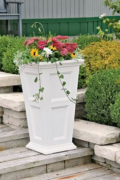 Fairfield Patio Planter black or white self watering