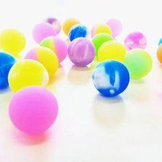 塩と洗濯のりで作れる!子供が大好きなおもちゃ『スーパーボール』の作り方