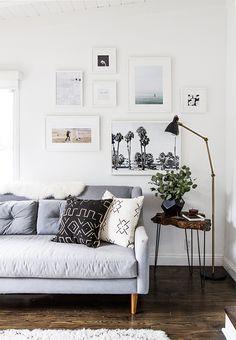 Een gallery wall inrichten: een wand vol met lijsten en frames. Hoe je dit inricht kan je hier terugvinden. Laat je inspireren door MakeOver.nl