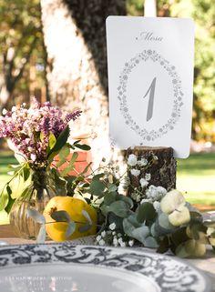 """©La Marimorena Creativos - """"Modelo Elegance"""" (perteneciente a Col. Nature).  Número de mesa para bodas con un diseño legante y romántico. www.lamarimorenacreativos.bigcartel.com"""