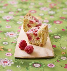 Moelleux rhubarbe framboise, la recette d'Ôdélices : retrouvez les ingrédients, la préparation, des recettes similaires et des photos qui donnent envie !