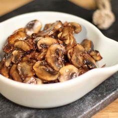 Karamellisert sopp Stuffed Mushrooms, Vegetables, Food, Stuff Mushrooms, Vegetable Recipes, Eten, Veggie Food, Meals, Veggies