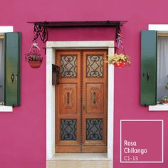 Dale un toque alegre y mexicano a la fachada de tu hogar. ¡Descubre cómo! Wall Colors, House Colors, Exterior Colors, Ideal Home, Architecture Art, My Dream Home, Home Improvement, New Homes, Sweet Home