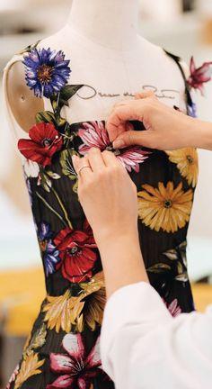 Oscar de la Renta Fashion Details, Fashion Design, Vibrant, Style Inspiration, Tattoos, Instagram, Floral, Garden, Gowns
