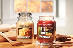 Pumpkin Buttercream smells just as good as the image of the cake on the front of the jar looks. Kitchen spice is another popular scented candle at Yankee Candle UK comprising of a modern blend of sweet orange, clove, ginger and cinnamon Yankee Candles, Scented Candles, Glass Jars, Candle Jars, Candle Store, Ginger And Cinnamon, Fall Scents, Good Enough To Eat, Spice Jars