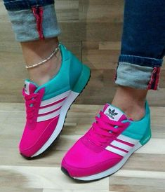 These are really cute and colorful womens sneakers right? - Tennis Adidas - Ideas of Tennis Adidas - These are really cute and colorful womens sneakers right? Hot Shoes, Crazy Shoes, Me Too Shoes, Sneakers Fashion, Fashion Shoes, Shoes Sneakers, Summer Sneakers, Shoes Heels, Colorful Sneakers