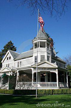 Patriotic Victorian home by Peter Kim, via Dreamstime
