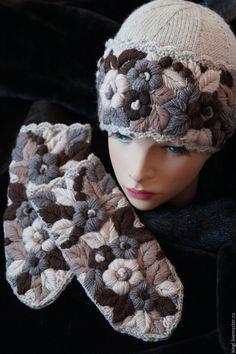 Купить Шапочка с ручной вышивкой Каппучино - бежевый, шапочка вязаная, вышивка, цветы ручной работы