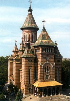 Romania Travel Inspiration - the Romanian Orthodox Cathedral in Timisoara, Romania Church Architecture, Religious Architecture, Wonderful Places, Beautiful Places, Bósnia E Herzegovina, Timisoara Romania, Romania Travel, Cathedral Church, Old Churches