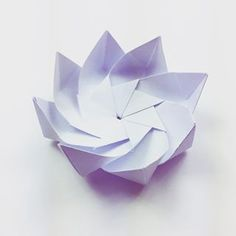 A flower type thing  origami flower modularorigami paperkawaii workinprogress paperfolding diy papercraft paperflower