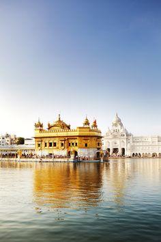 Attractions in Amritsar, India Guru Granth Sahib Quotes, Shri Guru Granth Sahib, Temple India, Indian Temple, Golden Temple Wallpaper, Guru Nanak Wallpaper, Harmandir Sahib, Guru Pics, Golden Temple Amritsar