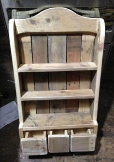 📣 99 Fantastic Models Of Wooden Pallet Shelves For Your Woodworking Project Inspiration Wooden Pallet Shelves, Reclaimed Wood Shelves, Reclaimed Wood Projects, Wooden Projects, Wooden Pallets, Pallet Cabinet, Pallet Wood, Pallet Crafts, Diy Pallet Projects
