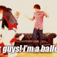 One direction challenge day 2 Favorite gif of Harry Styles