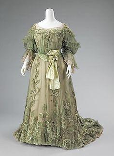 ca. 1905      silk, linen