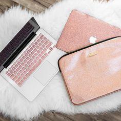 Pink Macbook cover case accessories. | Instagram photo by https://www.instagram.com/embrishop/