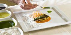 Forma e  funzione per costruire nuove relazioni con il cibo e lo spazio che abita. Per creare l'architettura di un gusto sorretta da tre pilastri della cucina di Ivano Congiu: tradizione, innovazione e forma.