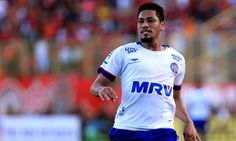 A busca do Corinthians por um camisa 9 para 2017 continua, e o nome que ganha força dessa vez nos bastidores do clube é o de Hernane Brocador, do Bahia.