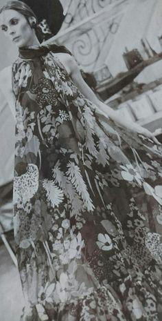 Janvier 1969.  Haute couture été 1969.  L Officiel 1000 modèles.