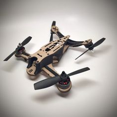 Neato Widowmaker V-tail cardboard prototype Drone Technology, Technology Design, Cool Technology, Drones, Drone Quadcopter, Diy Robot, Rc Autos, High Tech Gadgets, Cool Gadgets To Buy