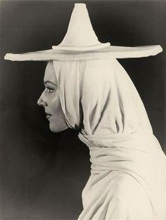 Geneviève Brunet, June 1956 -by Thérèse Le Prat[dans L'École des Veuves de Jean Cocteau] via rmn