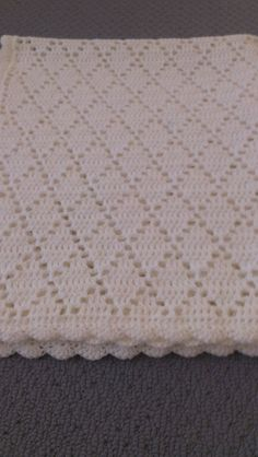 Check out handmade crochet pure white diamond pattern baby blanket on Annakellyc .Check out handmade crochet pure white diamond pattern baby blanket on Annakellyc . Baby Afghan Patterns, Crochet Baby Blanket Free Pattern, Baby Afghan Crochet, Crochet Patterns, Baby Afghans, Baby Blankets, Crochet Blankets, Diy Crafts Crochet, Blanket Yarn