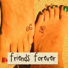 A most thorough guide on Best friend tattoos (BFF tattoos). They make a memorable gift which two friends can give to each other. Bff Tattoos, Mini Tattoos, Bestie Tattoo, Neue Tattoos, Best Friend Tattoos, Trendy Tattoos, Future Tattoos, Tattoos For Women, Tattoos For Guys
