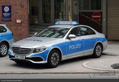 Funkstreifenwagen #FuStW - Polizei Hamburg - Mercedes-Benz E 220d (W213)