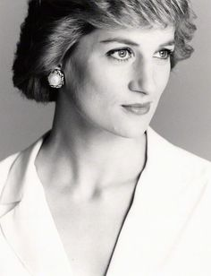 """""""I have it, on very good authority, that the quest for perfection our society demands can leave the individual gasping for breath at every turn."""" - Princess Diana on body image"""