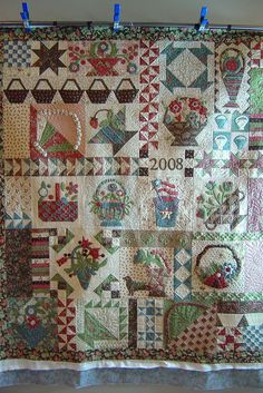 Aren't sampler quilts so much fun! from Jessica's Quilting Studio Sampler Quilts, Scrappy Quilts, Quilting Projects, Quilting Designs, Country Quilts, Basket Quilt, Art Textile, Traditional Quilts, Applique Quilts