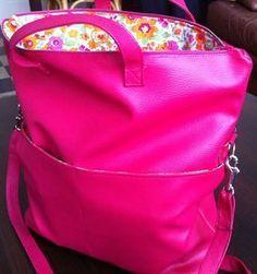 Purse tutorial but in French Sacs Tote Bags, Diy Sac, Diy Bags Purses, Diy Handbag, Couture Bags, Diy Couture, Sewing Leather, Couture Sewing, Fabric Bags