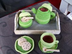 Free pattern for tea set, in Dutch
