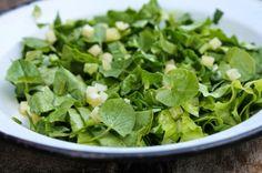 Salata de untisor, mancarea traditionala in Saptamana Mare. Detoxifica organismul, curata sangele si stimuleaza digestia