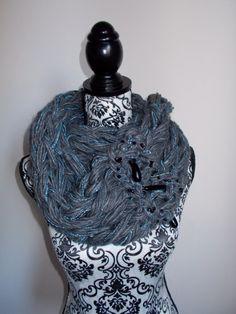Sciarpa infinity arm knitting  col.antracite di Armonieinlilla