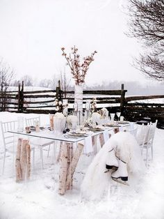 winter outdoor dinner party - I love the look but would you really? #rockmywinterwedding @Rock My Wedding