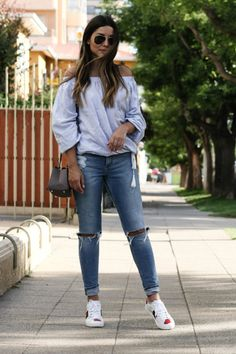 H&M off shoulder, gucci sneakers & ck bag Gucci Sneakers Outfit, Sneaker Outfits Women, Tennis Shoes Outfit, Gucci Outfits, Jeans And Sneakers, Gucci Shoes, Trajes Business Casual, Business Casual Outfits, Moda Nike