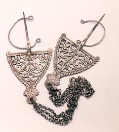 Beautiful Heritage from Wadi Mezab - Algeria Earrings Uk, Silver Drop Earrings, Crochet Earrings, Tribal Jewelry, Silver Jewelry, Silver Ring, Henna Body Art, Jewelry Center, Silver Enamel