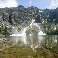 Home to rugged peaks, wildflower meadows and alpine lakes, Siskiyou Wilderness offers beauty, quiet on Oregon/California border.