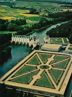 Château de Chenonceaux near the small village of Chenonceaux, France National Geographic | June 1960  .