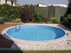 Bildergebnis für poolgestaltung stahlwandbecken - All About Diy Swimming Pool, Diy Pool, Small Backyard Patio, Backyard Patio Designs, Pool Water Features, Stock Tank Pool, Round Pool, Small Pools