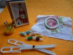 Всем доброго времени суток)Так как сайт для рукодельниц,то пора бы и куколок приучить к рукоделию)А именно к вышиванию.Итак,начнем.... фото 10
