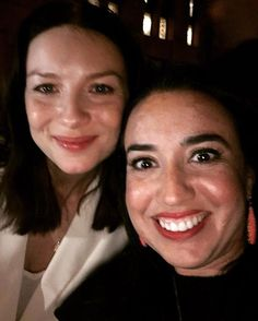 Just found this pic of the talented and beautiful @caitrionabalfe in NYC from April ... She and @samheughan are always so gracious and take time to spend with fans all over the world ! #caitrionabalfe #outlander #samheughan