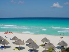 Google Image Result for http://www.pictureninja.com/pages/mexico/cancun-beach-resort.jpg