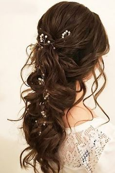 Get inspired by great wedding hairstyles - N .- Lassen Sie sich von tollen Hochzeitsfrisuren inspirieren – New Site Let yourself be inspired by great wedding hairstyles hairstyles - Bridal Hair Half Up, Wedding Hair Down, Asian Wedding Hair, Wedding Hair Brunette, Wedding Hairstyles For Long Hair To The Side With Veil, Half Up Half Down Wedding Hair, Bride Hairstyles, Down Hairstyles, Hairstyle Ideas
