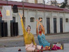Durante a Primeira Virada Cultural de BH, que acontece entre os dias 14 e 15 de setembro, com 24h de programação cultural gratuita, a Praça Afonso Arinos será palco para as manifestações cênicas em suas diversas formas de expressão.